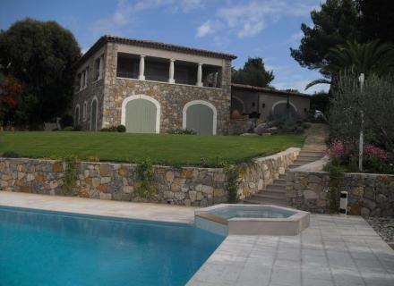 Nettoyage villa après dégat des eaux à Cannes 06