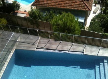 nettoyage terrasse en teck à Eze