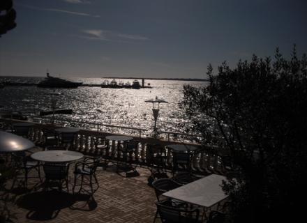 Ponçage de parquet à Théoule sur Mer (06)
